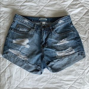 Billabong Distressed Short